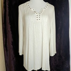 Light cream tunic with rivets